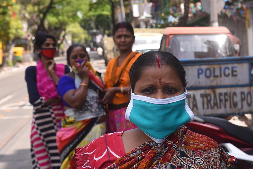 """05 印度更适合""""群体免疫""""?.jpg"""