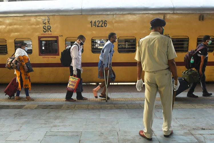 印度部分铁路恢复运营