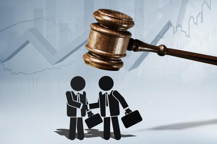 """《讓""""割韭菜""""之路成危途》在完善證券犯罪規定方面,刑法修正案(十一)草案提高了欺詐發行股票、債券罪和違規披露、不披露重要信息罪的刑罰,明確控股股東、實際控制人的刑事責任,旨在提高資本市場違法違規成本。ICphoto"""