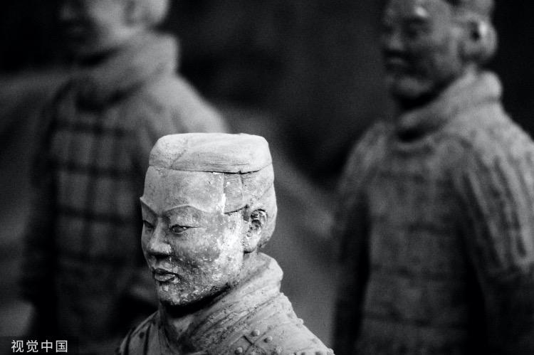 """《秦""""黥城旦講乞鞠案"""": 一樁冤案的炮制及平反》(圖文無關)秦朝司法頗為殘酷,常見有罪推定。圖為秦始皇陵兵馬俑博物館內的兵馬俑。"""