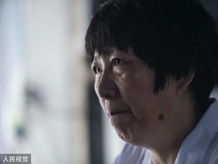 多年来,王锦萍和家人龙虎大战平台生活在不同地方,对于离开小岛的家人尤其是自己的孩子,在最需要的时候没有陪在身边,她也难免感到愧疚。