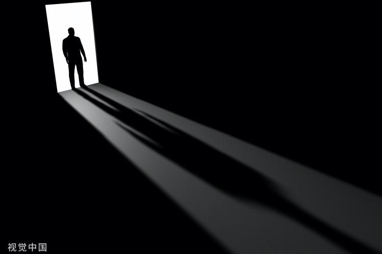 《世相观想 | 讳疾忌医背后的侥幸与恐惧心理》(图文无关)危险,不会因为你害怕,就不发生了;讳疾忌医,或曰恐惧……只会使危险更加危险。