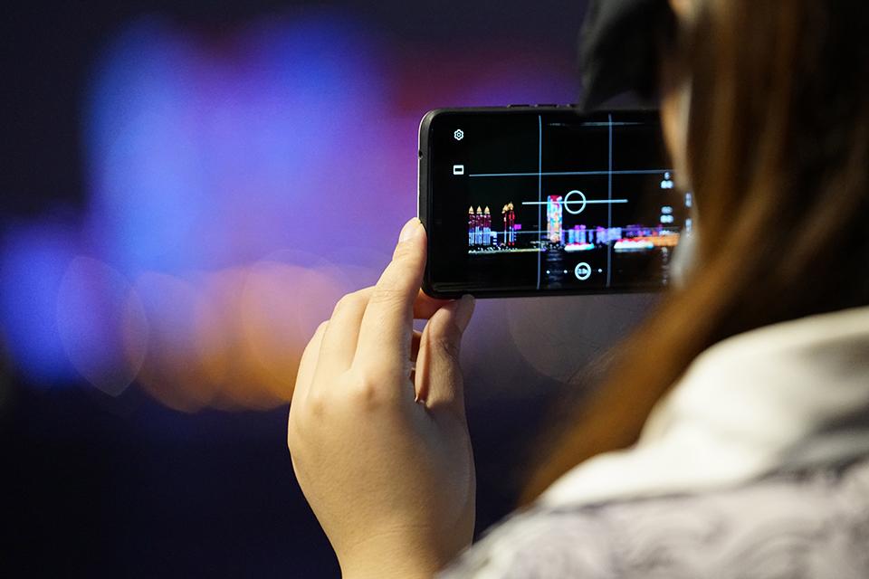 快評 一部手機被偷可能發生什么?請務必保護好你的手機