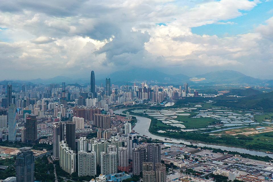 """拿到""""政策大礼包"""",深圳可以如何腾挪土地?"""