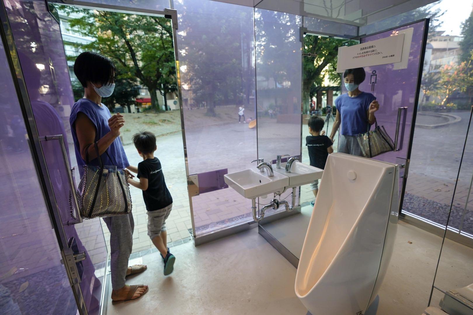 女厕所里的小便池,不是一个性别问题,而是一个年龄问题