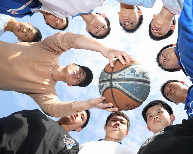 刘翔说,体育老师当班主任,最大的优势就是同学们的体育课不会被其他学科老师所占用。