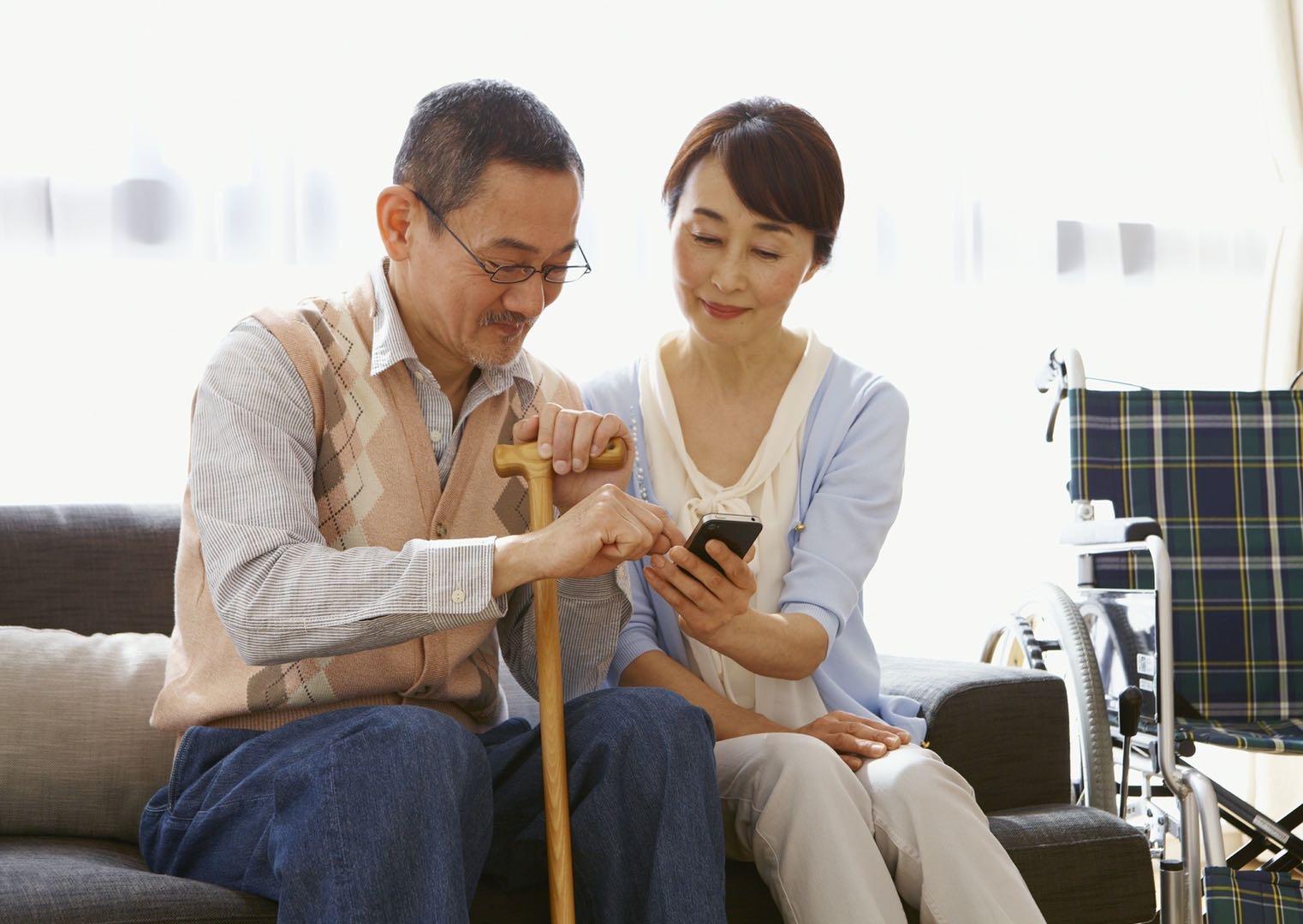 快評|推動社會對老年人更友好,關乎你我的未來