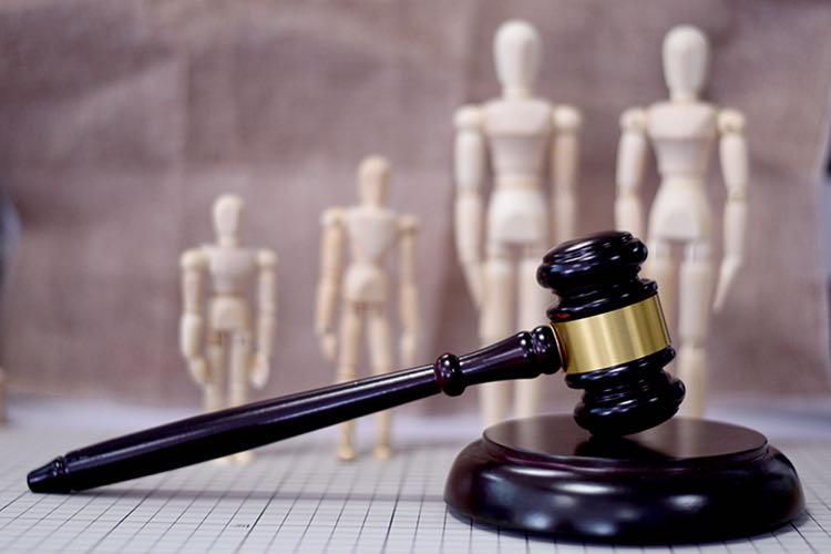 """海口一律師威脅交警勿貼罰單,""""特權意識""""慣出的膽子要被法治關起來"""