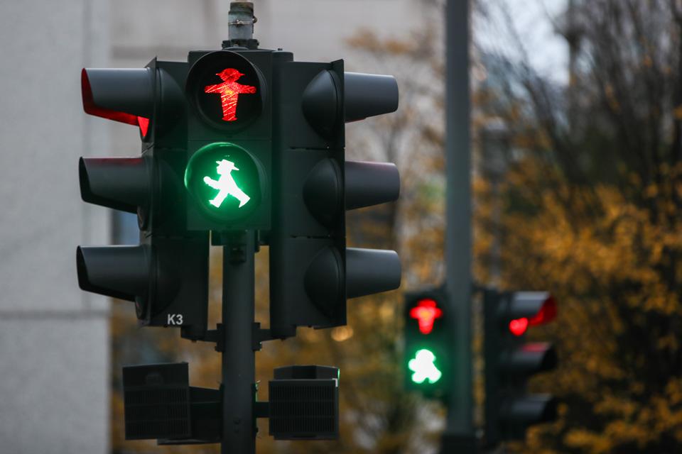 """""""人形""""红绿灯"""