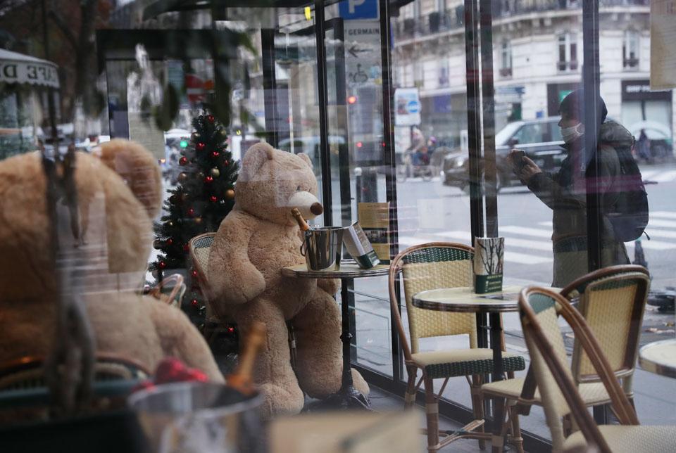 """被""""熊""""占領的咖啡館"""