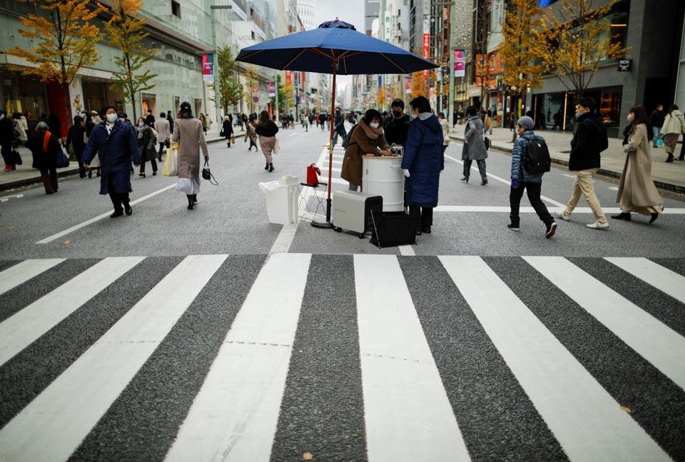 東京街頭現移動洗手池