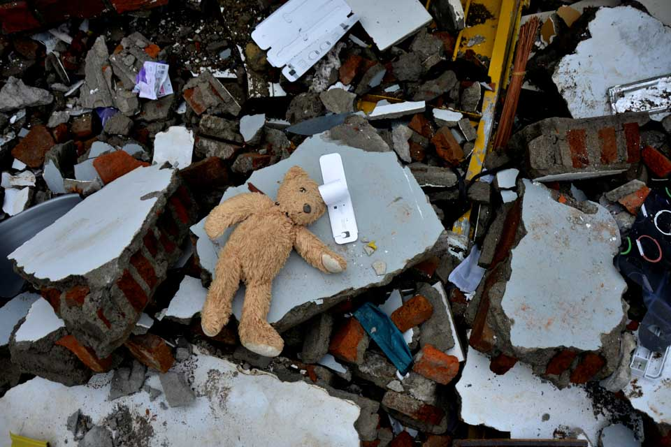 印尼6.2级地震致多人死亡