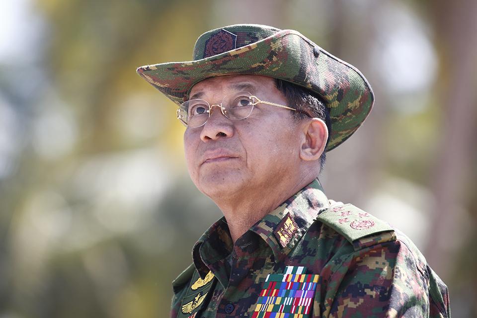 """昂山素季""""头号政敌"""":缅甸总司令敏昂莱的高光时刻"""