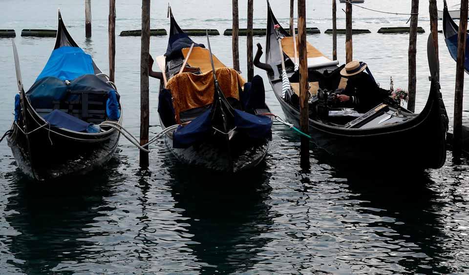 水城威尼斯狂欢节遇冷