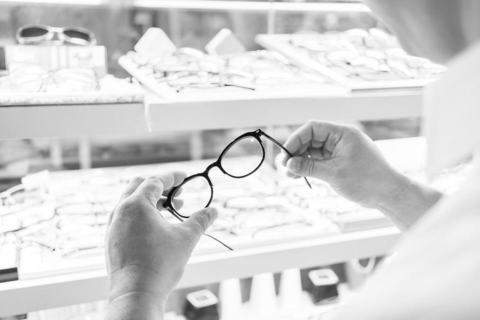 23 防蓝光眼镜到底有没有用?1.jpg