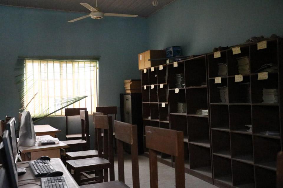 尼日利亚一学校317名学生遭绑架