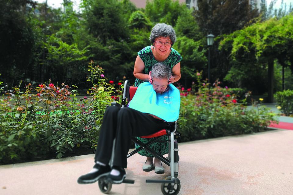17 一个阿尔茨海默症家庭的照护细节1.jpg