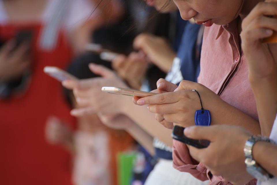 """抖音VS騰訊背后:  互聯網巨頭間的""""墻""""該不該拆?"""