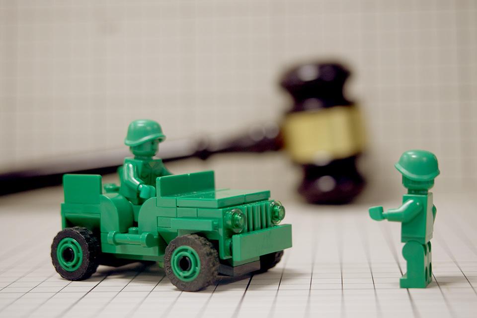 快評6死6傷交通事故是否因執法車追緝引發?應查明真相