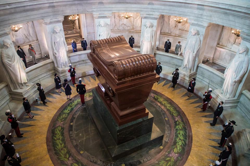 01 法国纪念拿破仑逝世200周年.jpg