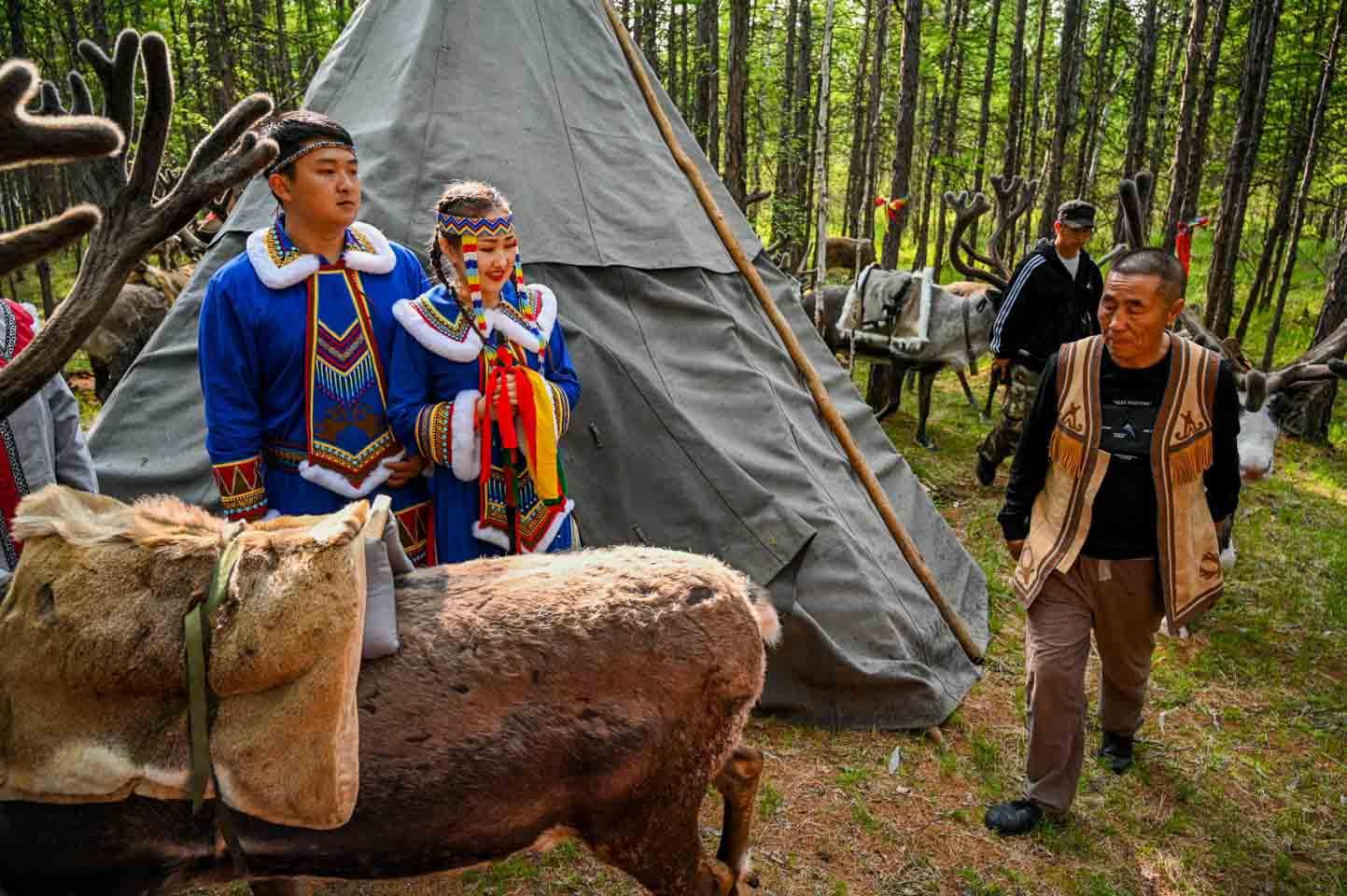 内蒙古敖鲁古雅传统婚礼现场