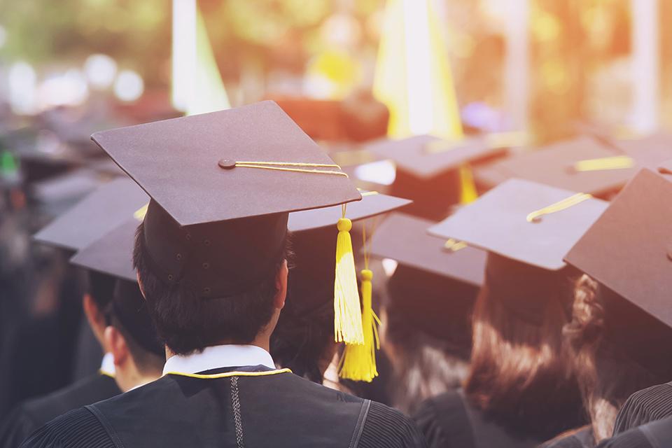 人在職場|985畢業生月薪不如網紅,不公平嗎?