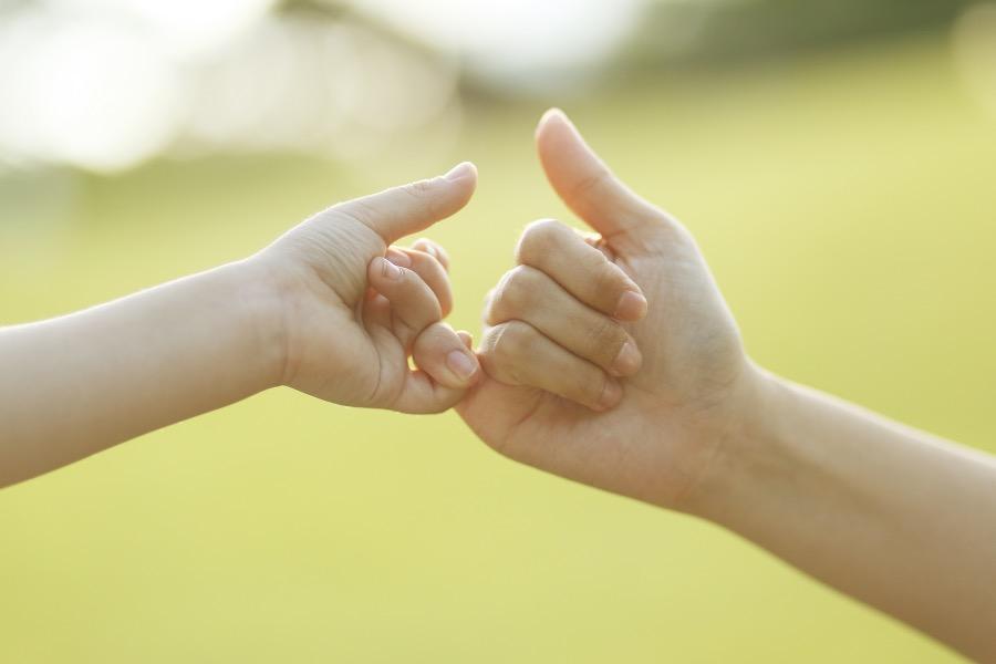 """《失信于孩子是耍小聪明, 父母莫做蛮横无智的""""暴君""""》(图文无关)最好的人生引导,不就是让孩子们看到诺言的价值与兑现诺言的意义吗?"""