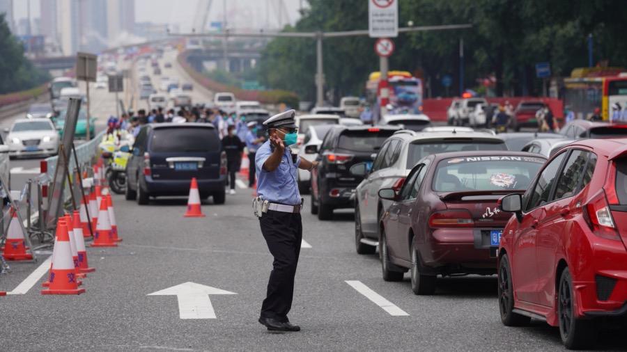 廣州荔灣芳村片區恢復對外交通通行(視頻封面)