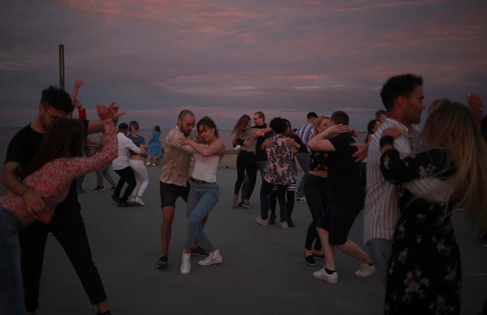 丹麦哥本哈根庆祝仲夏节