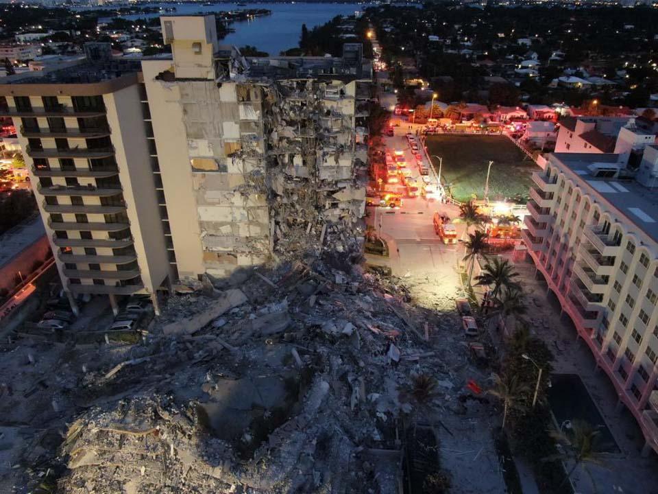 """瞬間一周丨美一住宅樓坍塌,曾被報道有""""損壞"""""""