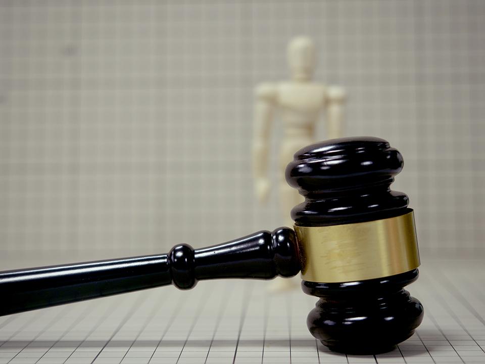 明星维权姿势,为何从发律师函纷纷转向报警?