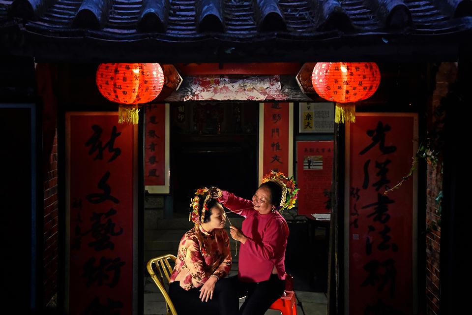 """18 中国式母女关系:""""很多女孩从未被妈妈好好爱过"""".jpg"""