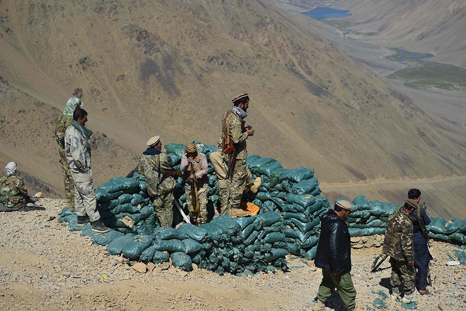 08 塔利班宣布建国,战斗和博弈仍在继续.jpg