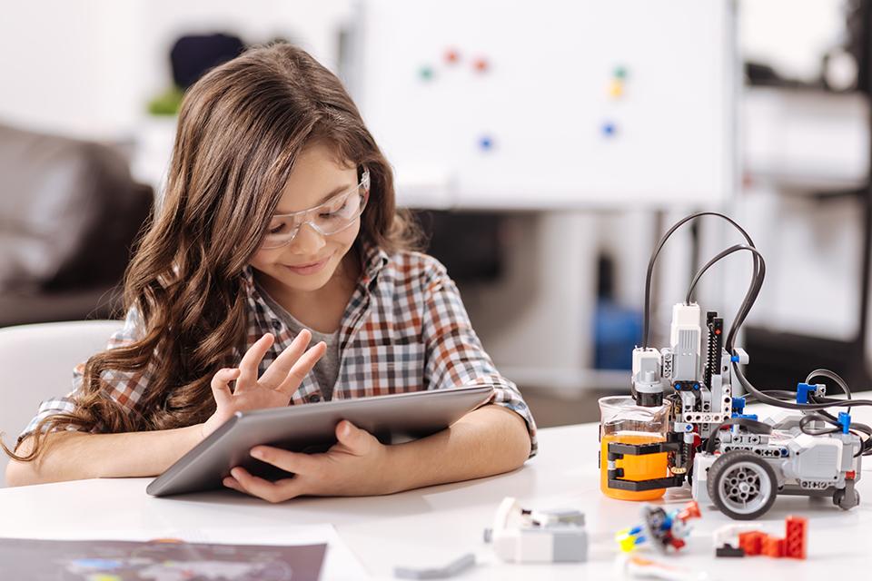 工业时代的教育,是否适应信息时代的娃?