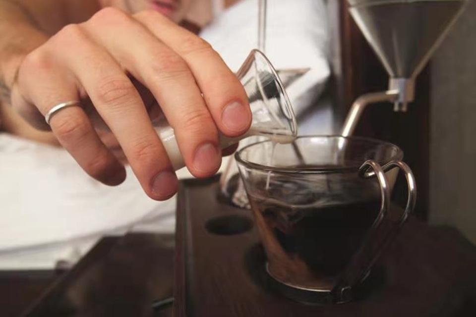23 咖啡喝多了可能会损害大脑.jpg