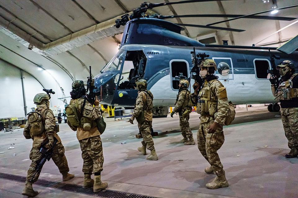 05 美军撤离阿富汗最后一日1.jpg