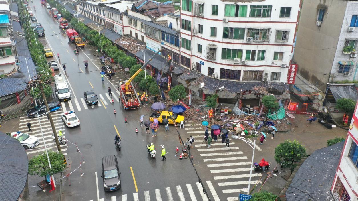泸县6.0级地震致3死100伤,150吨白酒泄漏存在易燃风险